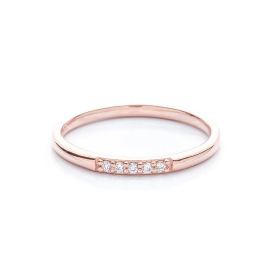 pozlacený stříbrný prsten se zirkony